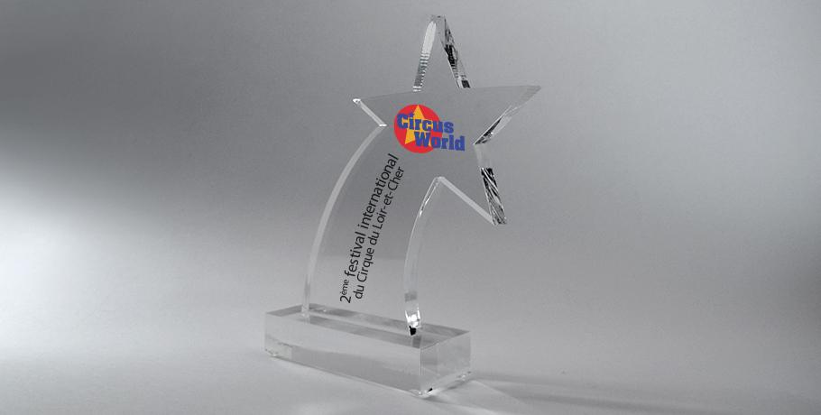 Trophée-plexiglas-marquage-laser-impression-couleur-forme-étoile-psi