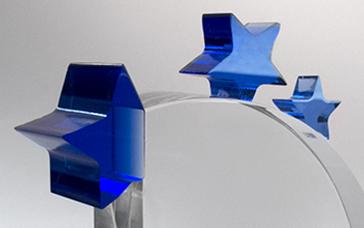 Trophée-verre-transparent-étoile-verrebleu-marquage-laser-impression-couleur-mistral