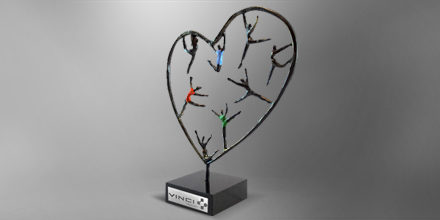 trophee-coeur-entreprise-metal-sculpture-france-slider