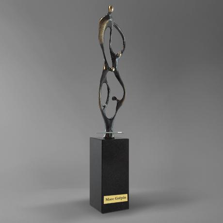 trophee-contruire-ensemble-metal-sculpture-france-popup-1