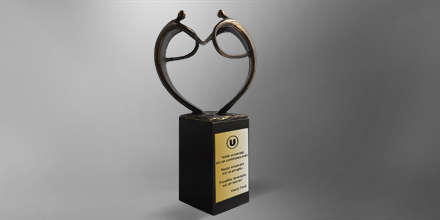trophee-atoutcoeur-metal-sculpture-france-slider